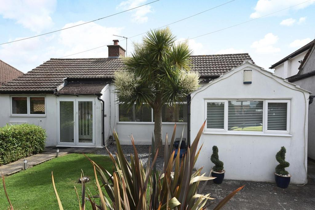3 Bedrooms Bungalow for sale in Kechill Gardens, Hayes, BR2