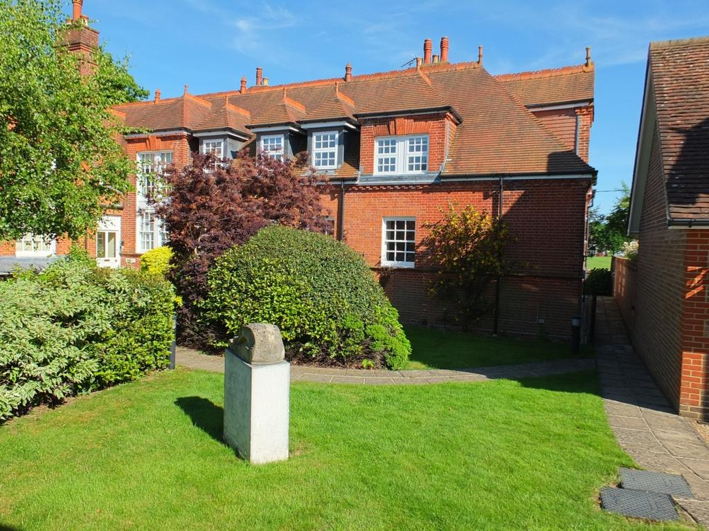 3 Bedrooms House for sale in Old School Court, Lindfield, RH16