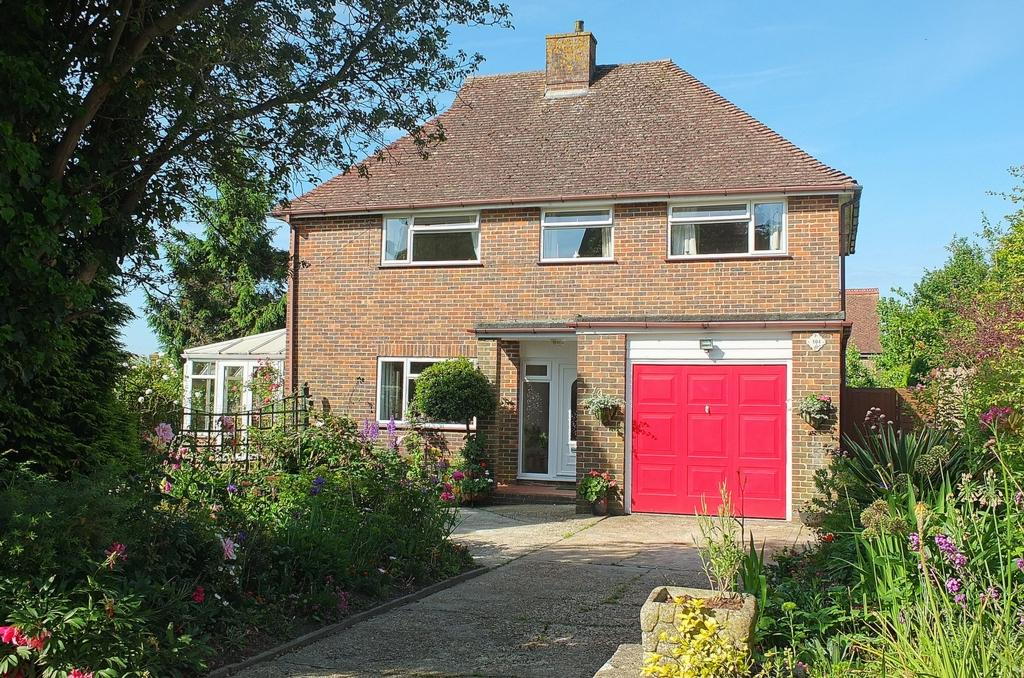 3 Bedrooms House for sale in Haywards Road, Haywards Heath, RH16