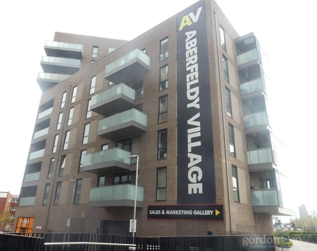 2 Bedrooms Flat for sale in Abbot Road, Poplar, London, E14