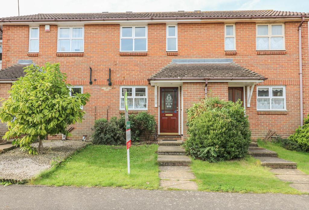 2 Bedrooms Terraced House for sale in Carpenter Close, Billericay CM12