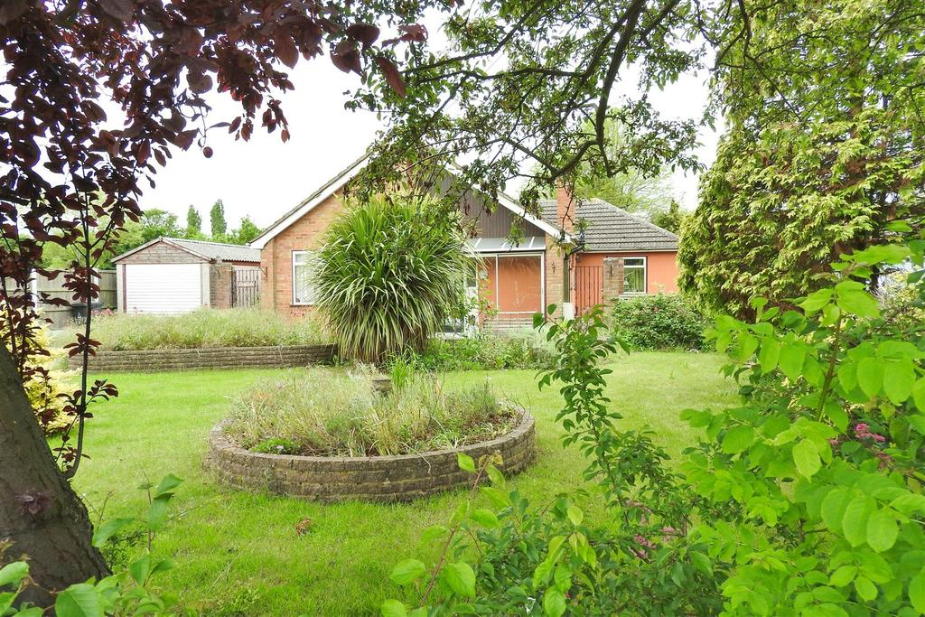 3 Bedrooms Detached Bungalow for sale in Burnham Road, Althorne