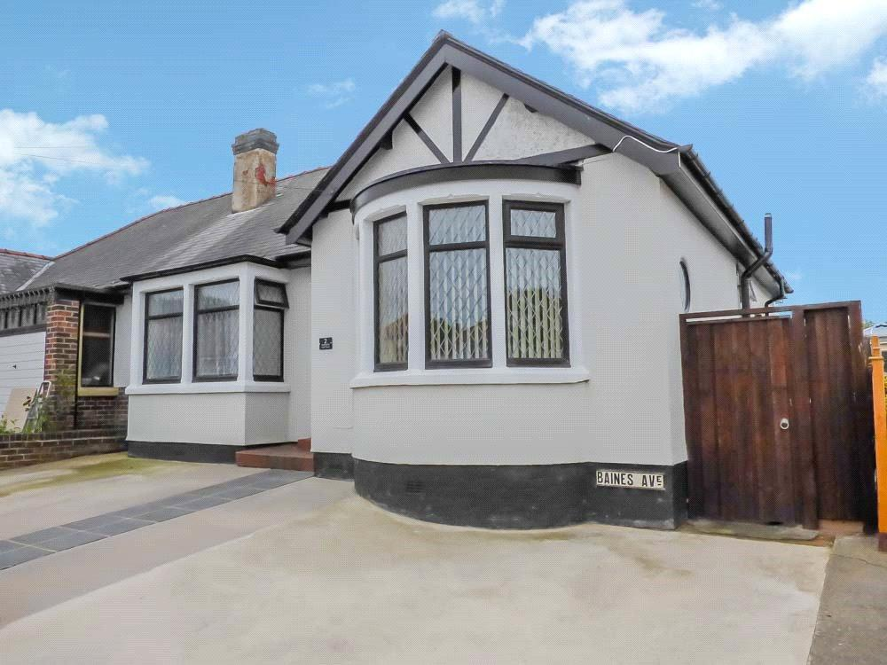 2 Bedrooms Semi Detached Bungalow for sale in Baines Avenue, Blackpool, Lancashire