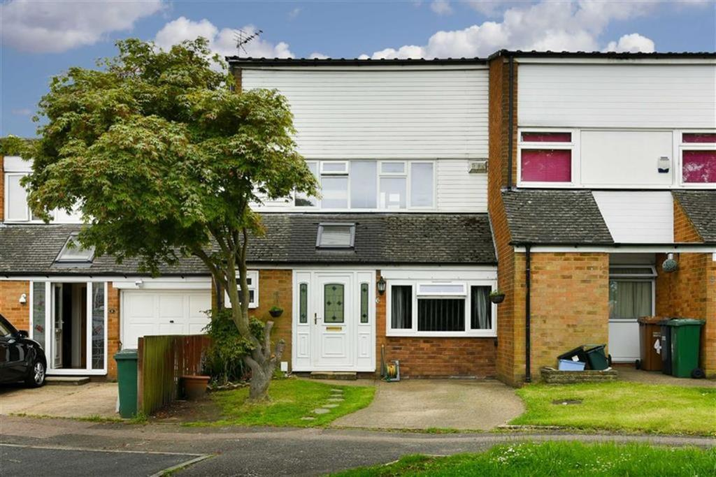 4 Bedrooms Terraced House for sale in Maybury Close, Tadworth, Surrey