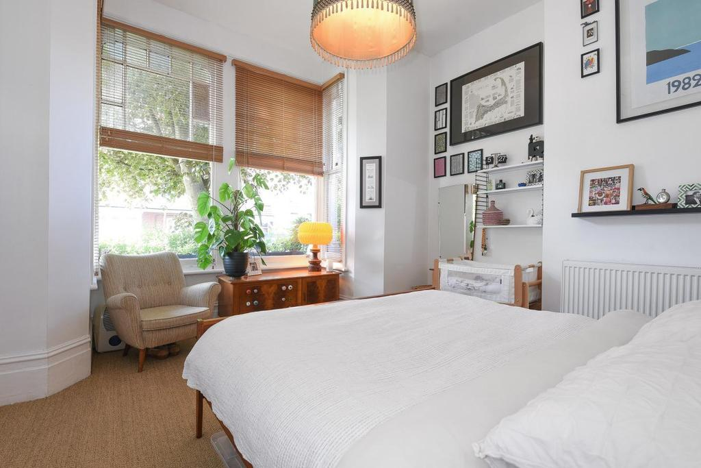 1 Bedroom Flat for sale in Fairfield Road, Crouch End, N8