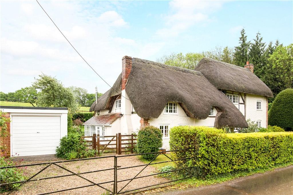5 Bedrooms Detached House for sale in Little London, Andover, Hampshire, SP11