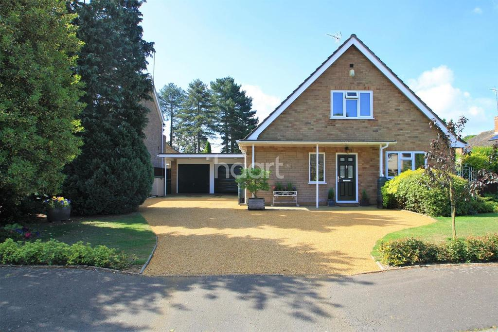 3 Bedrooms Detached House for sale in Mackenzie Road, Thetford
