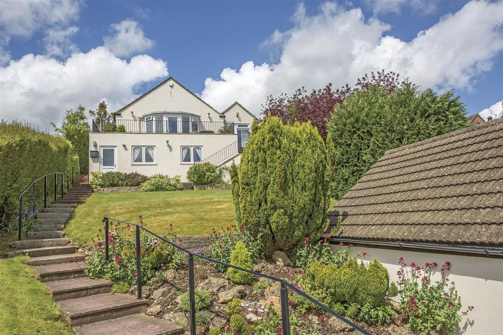 2 Bedrooms Bungalow for sale in Upper Kitesnest, Whiteshill, Stroud
