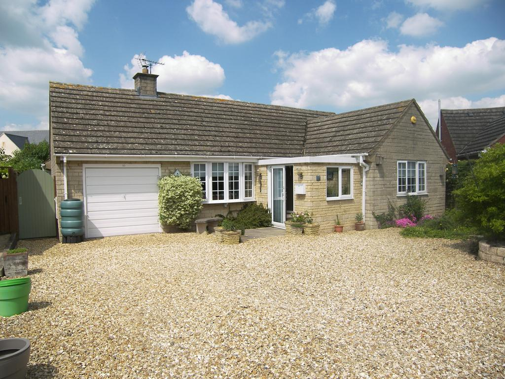 3 Bedrooms Detached Bungalow for sale in Norton View, Mickleton, GL55
