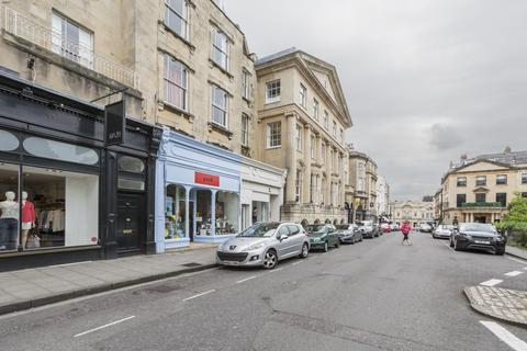 2 bedroom flat to rent - The Mall, Clifton