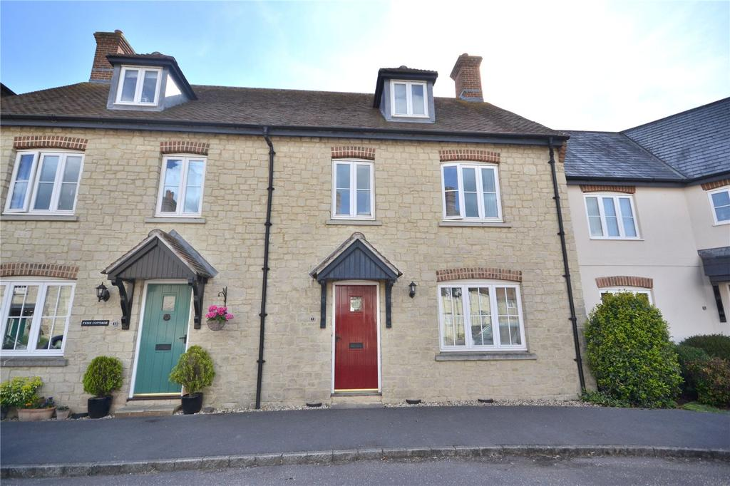 3 Bedrooms Terraced House for sale in Walnut Road, Mere, Warminster, Wiltshire, BA12