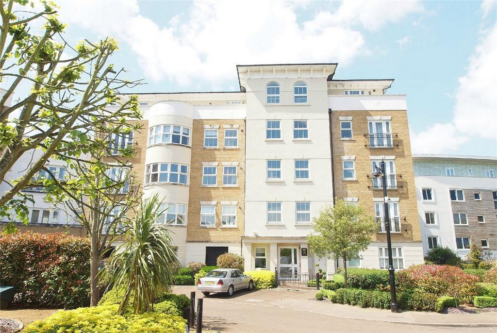 3 Bedrooms Flat for sale in Clearwater House, Langley Waterside, Beckenham