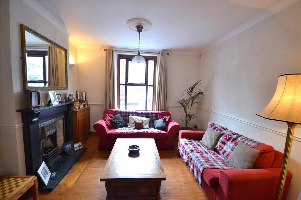 3 Bedrooms Terraced House for sale in Harold Street, Roath, Cardiff, CF24