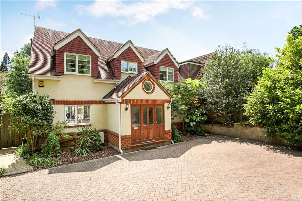 5 Bedrooms Detached House for sale in Middle Hill, Englefield Green, Surrey, TW20