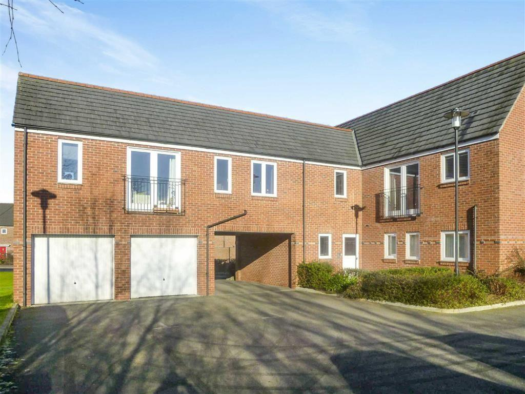 2 Bedrooms Apartment Flat for sale in Cheddleton Road, Timperley, Cheshire, WA14