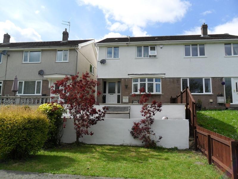 4 Bedrooms Semi Detached House for sale in Ynysmeudwy Road, Ynysmeudwy, Pontardawe.
