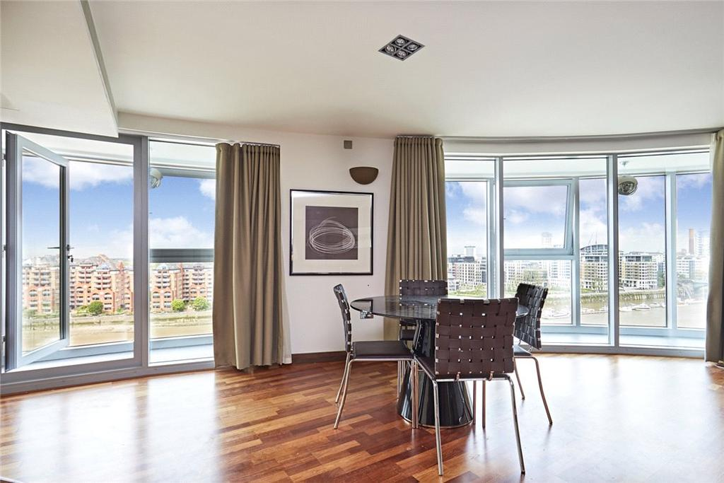 2 Bedrooms Flat for sale in Altura Tower, Bridges Wharf, Bridges Court Road, London, SW11