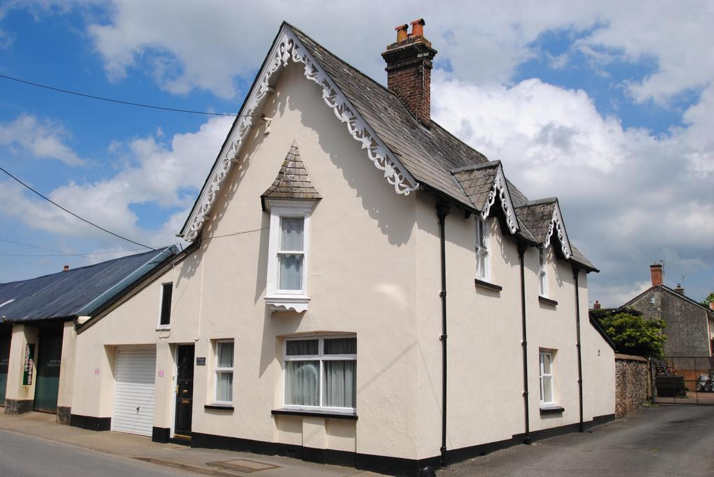 3 Bedrooms Detached House for sale in South Street, South Molton