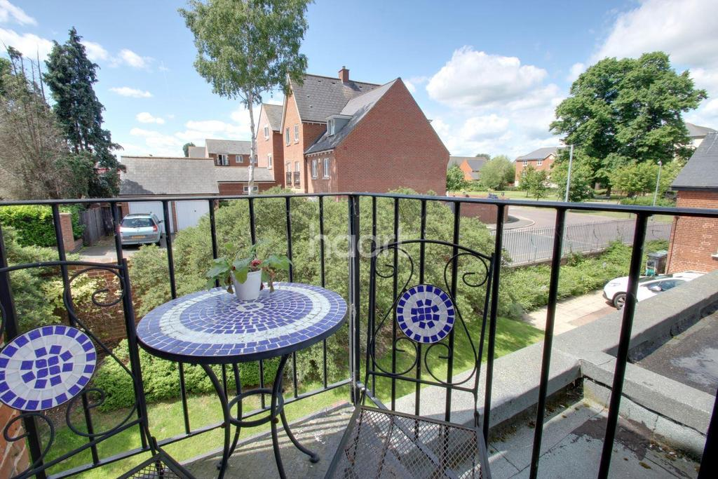 3 Bedrooms Flat for sale in Home Bridge Court, Witham, CM8
