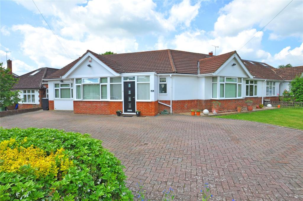 5 Bedrooms Semi Detached Bungalow for sale in Stanley Avenue, Chiswell Green, St Albans, Hertfordshire