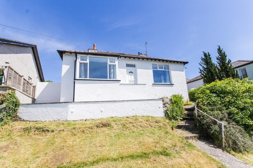 3 Bedrooms Detached Bungalow for sale in Lindale, Grange-Over-Sands