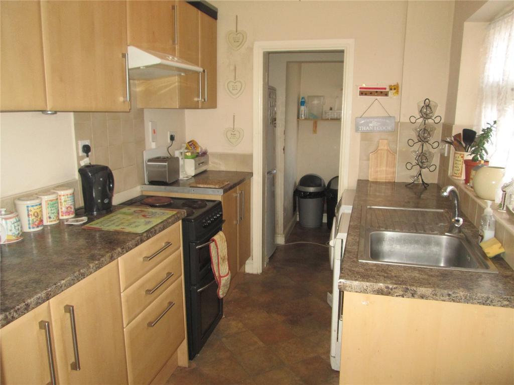 2 Bedrooms Terraced House for sale in Allen Street, Worksop, Nottinghamshire, S80