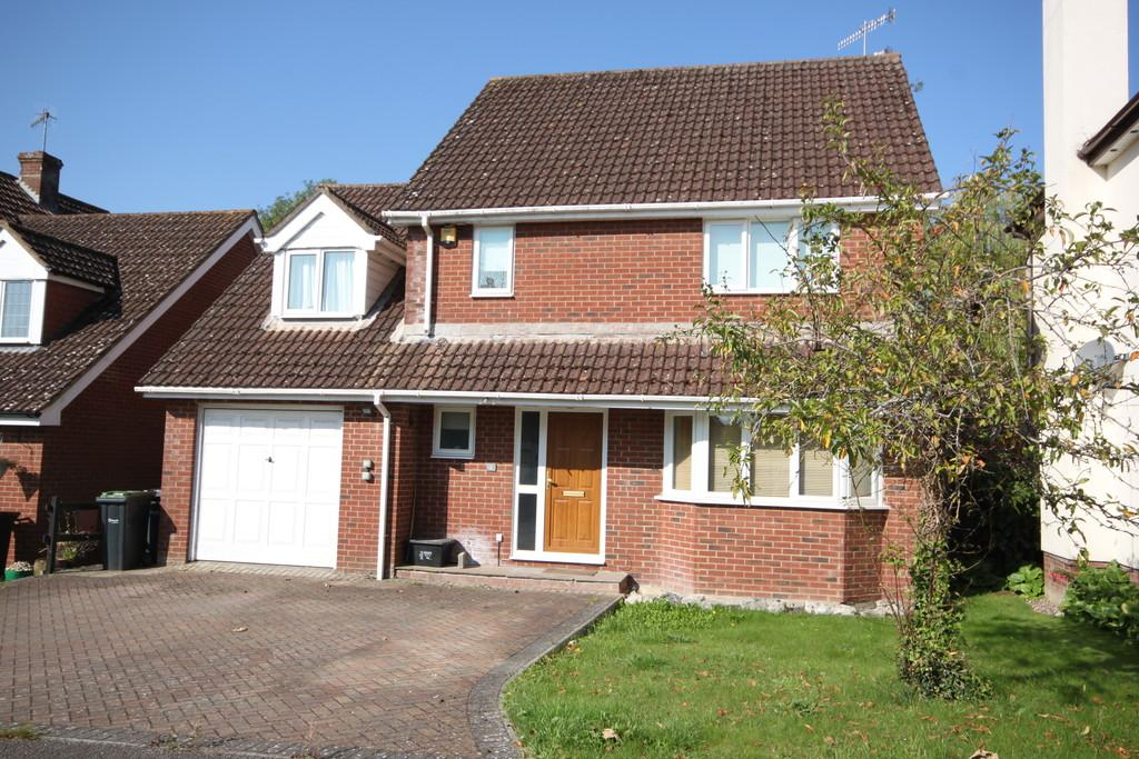 4 Bedrooms Detached House for sale in THE STEADINGS, FORD, SALISBURY, WILTSHIRE SP4 6BH