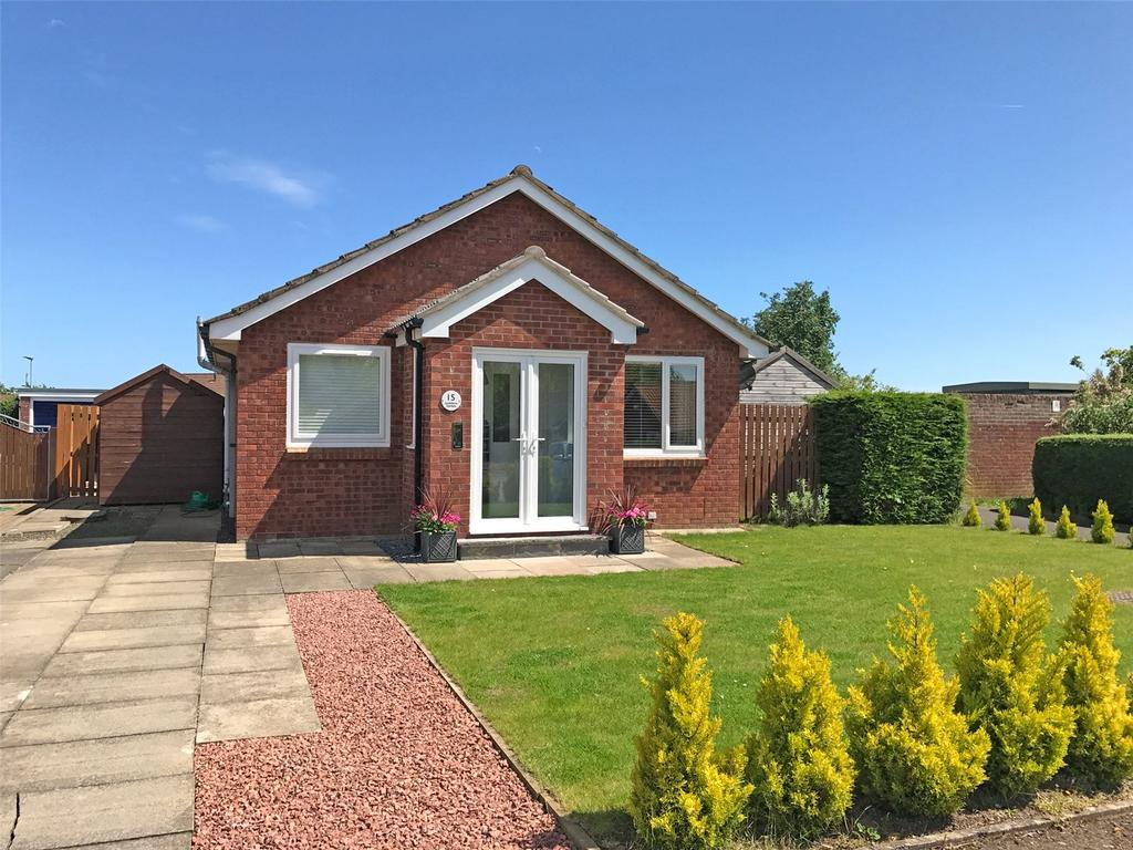2 Bedrooms Detached Bungalow for sale in Lindisfarne Gardens, East Ord, Berwick-Upon-Tweed, Northumberland