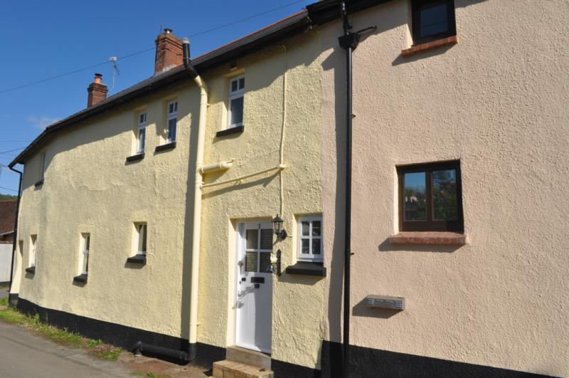 2 Bedrooms House for sale in Hope Cottages, Kerswell, Cullompton, Devon, EX15