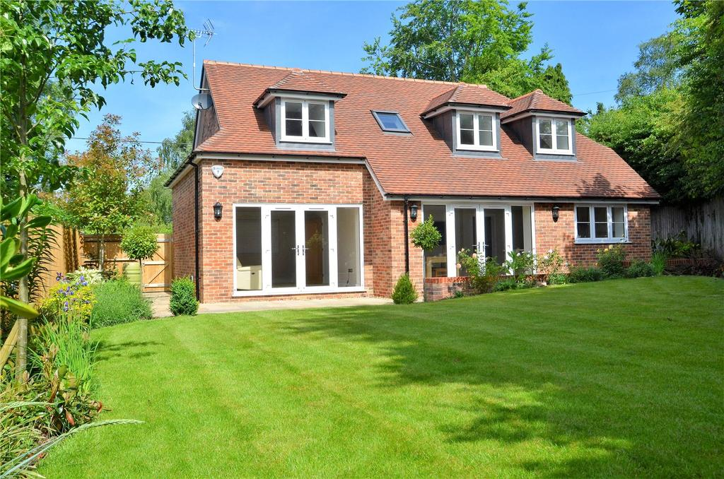 3 Bedrooms Detached House for sale in Crays Pond, Reading, RG8