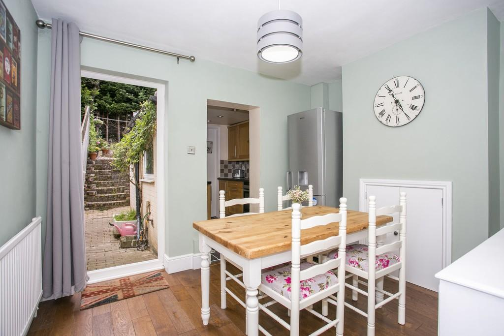 2 Bedrooms Terraced House for sale in Quarry Road, Tunbridge Wells