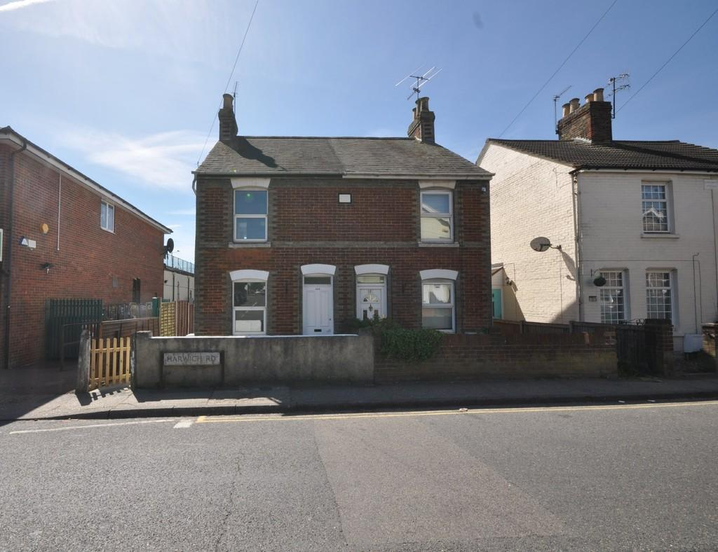 2 Bedrooms Semi Detached House for sale in Harwich Road, Colchester