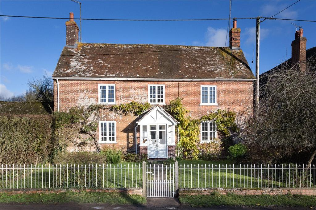 4 Bedrooms House for sale in Hilcott, Pewsey, Wiltshire, SN9