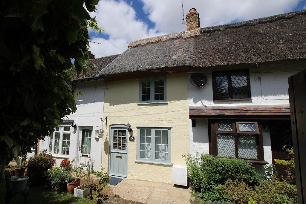 1 Bedroom Cottage House for sale in Chapel Yard, Harlington, Bedfordshire, LU5 6LS