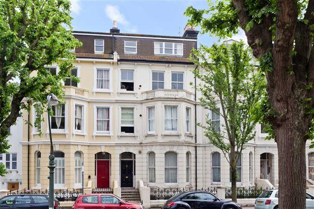 2 Bedrooms Flat for sale in St Aubyns, Hove