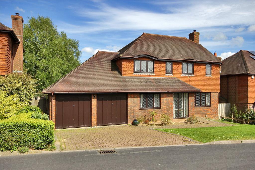 4 Bedrooms Detached House for sale in Glenleigh Walk, Robertsbridge, East Sussex, TN32