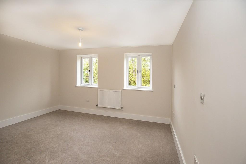 More Lane Esher 4 Bed Townhouse 163 695 000