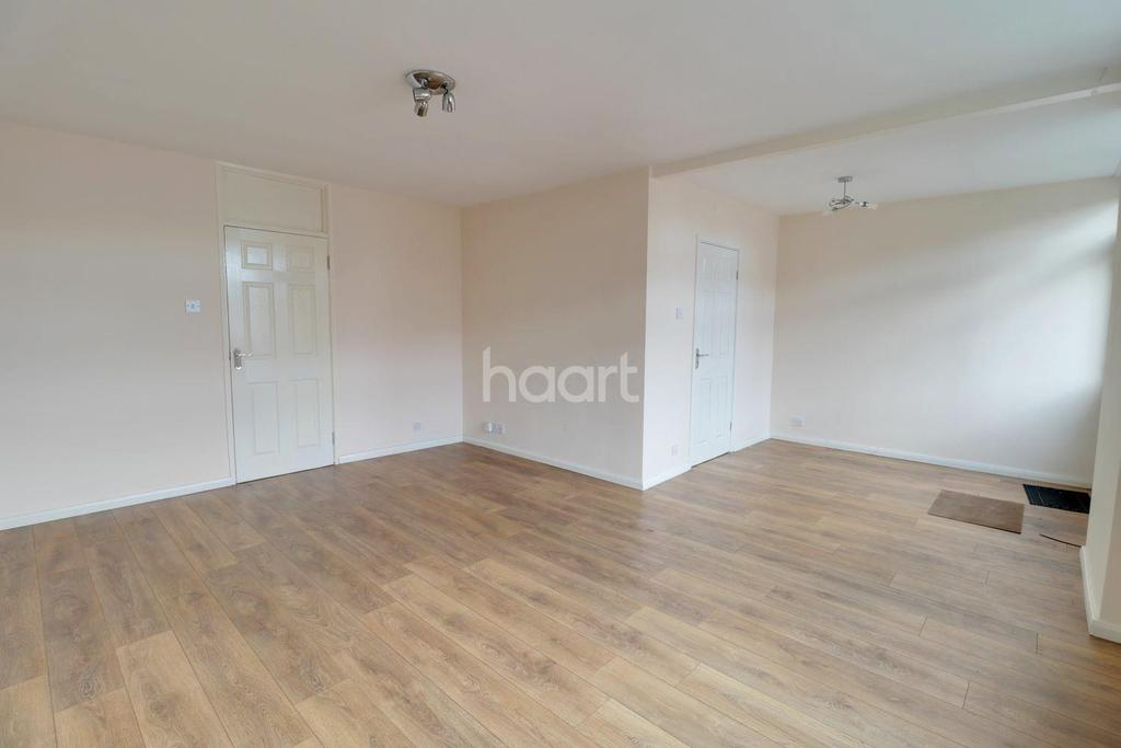 3 Bedrooms Terraced House for sale in Chaucer Road