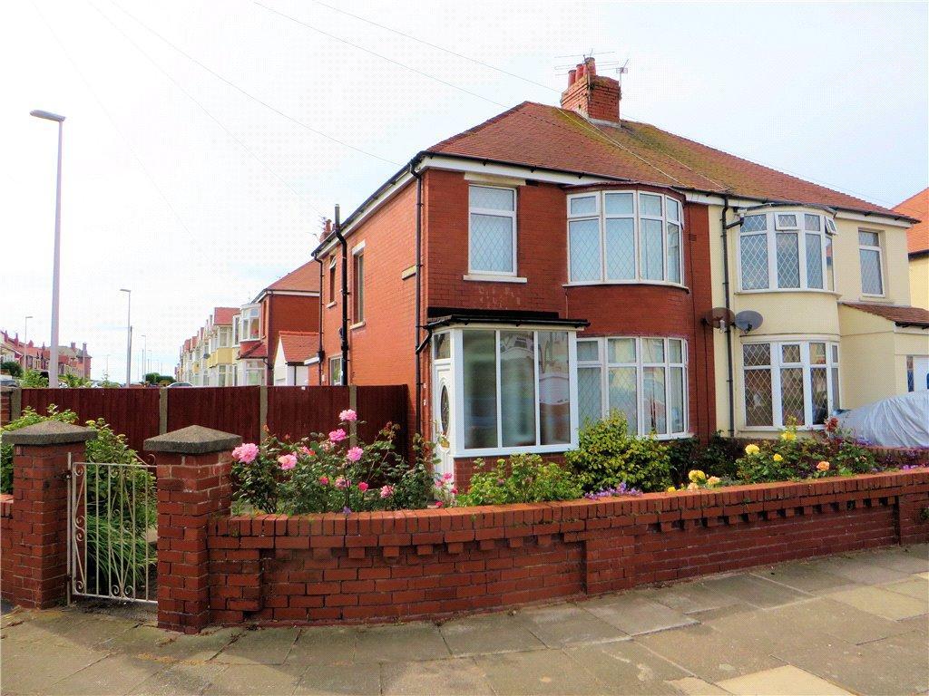 3 Bedrooms Semi Detached House for sale in Beaufort Avenue, Bispham, Blackpool