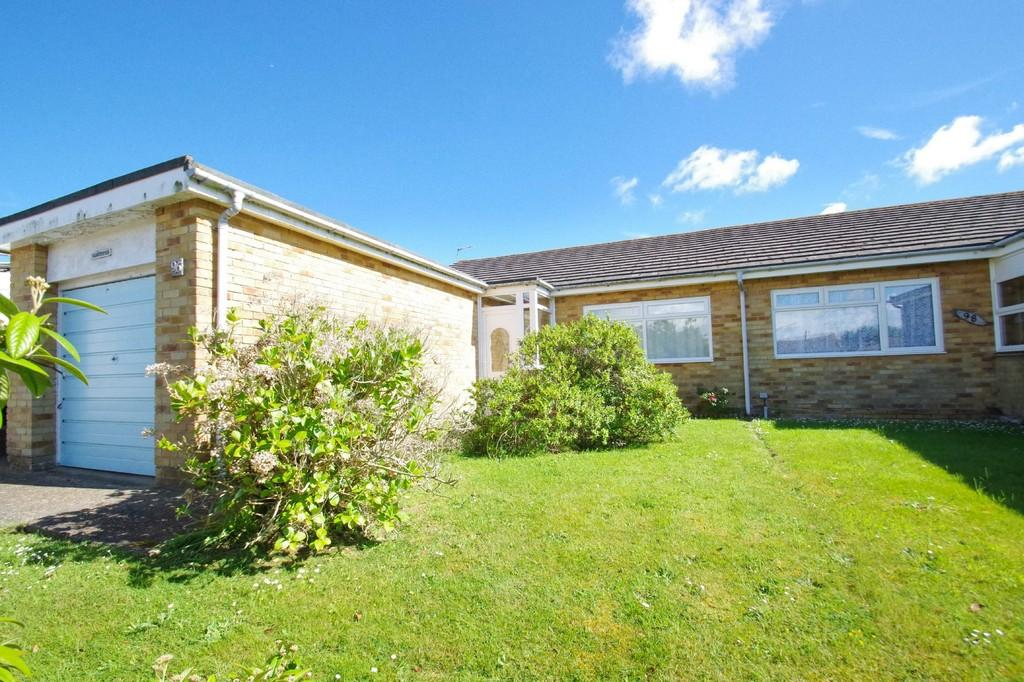 2 Bedrooms Semi Detached Bungalow for sale in Carter Avenue, Shanklin