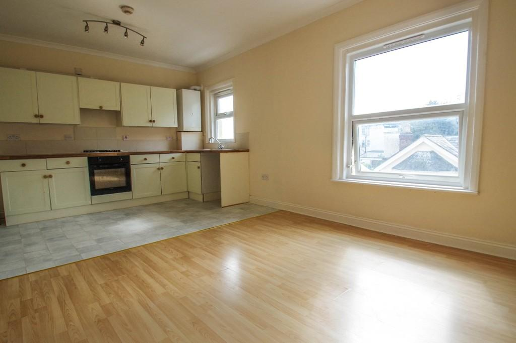 2 Bedrooms Flat for sale in High Street, Shanklin