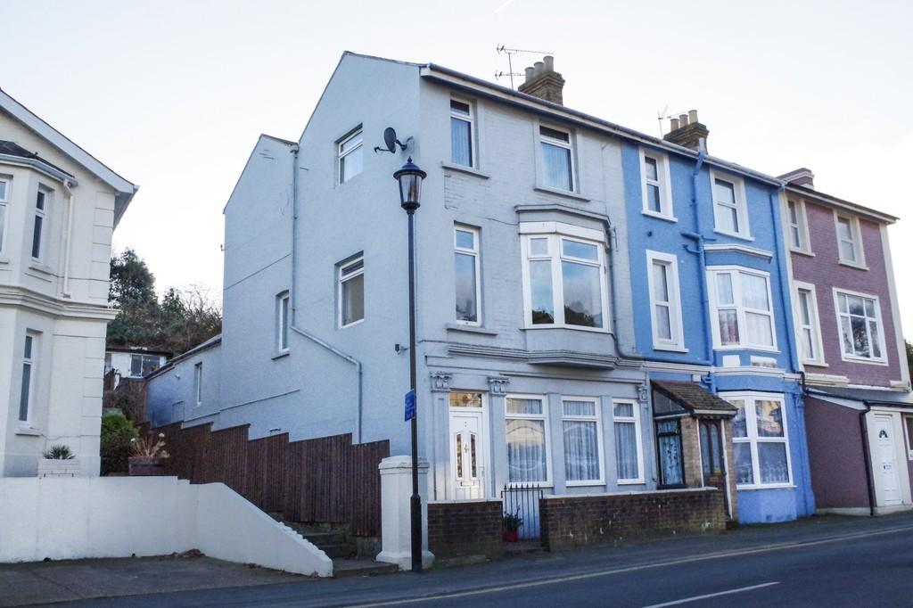 4 Bedrooms End Of Terrace House for sale in Hope Road, Shanklin, PO37