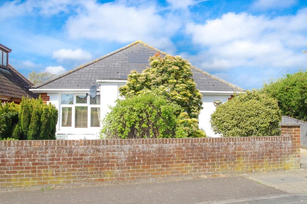2 Bedrooms Detached Bungalow for sale in Whitecross Lane, Shanklin