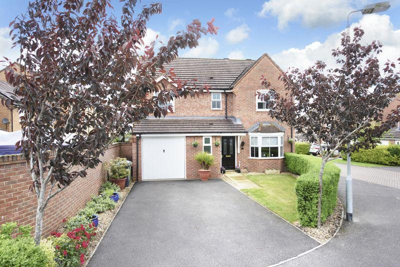 4 Bedrooms Detached House for sale in Abrahams Close, Trowbridge