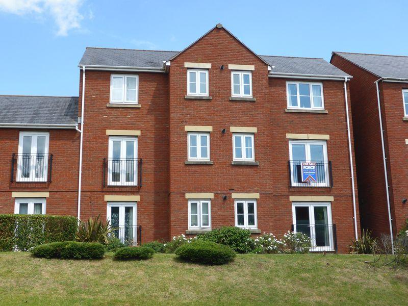 2 Bedrooms Apartment Flat for sale in Russell Walk, Exeter