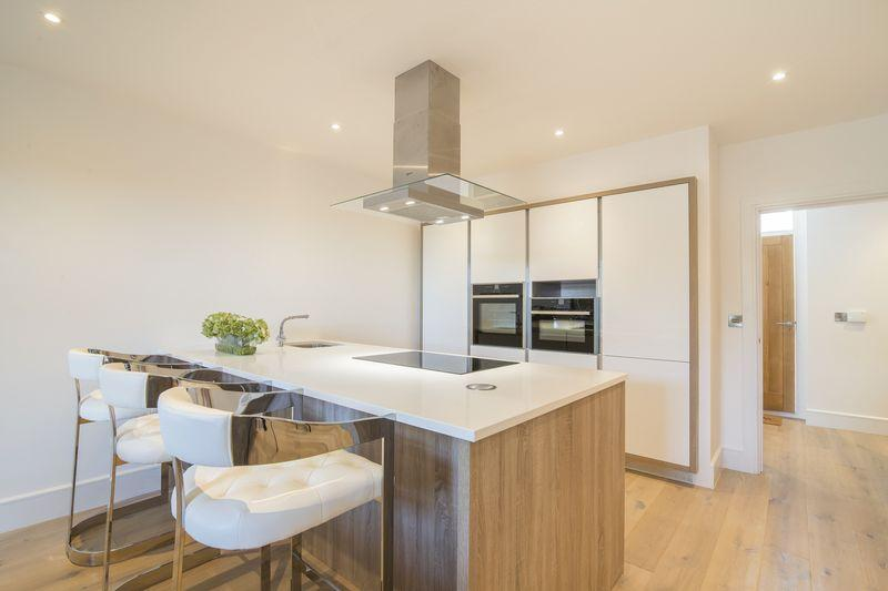 2 Bedrooms Terraced House for sale in Pear Tree Farm, Marthall