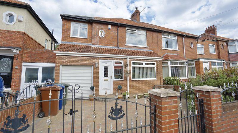 4 Bedrooms Semi Detached House for sale in SELBY GARDENS Walkergate