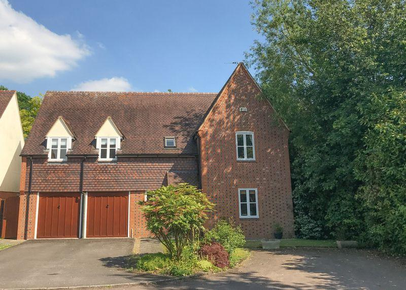 5 Bedrooms Detached House for sale in Bramley Close, East Hanney