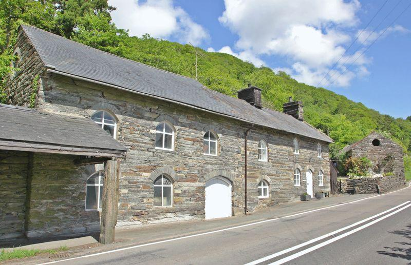 2 Bedrooms Detached House for sale in Tan-Y-Bwlch,Gwynedd