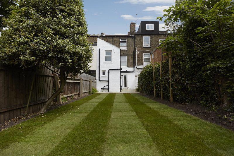 1 Bedroom Apartment Flat for sale in Charlton Church Lane, Charlton